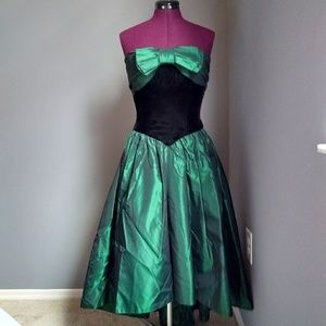 Dresses & Skirts - Vintage Green & Black Bow High Low Edgy Prom Dress
